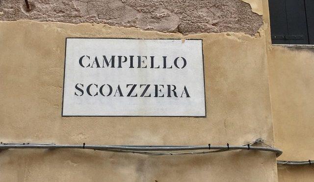 La raccolta della spazzatura a Venezia
